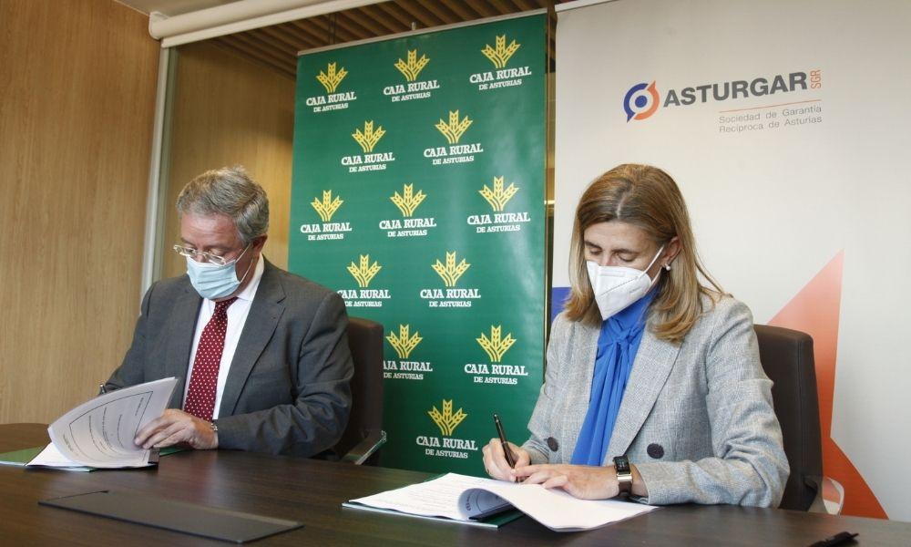 Asturgar y Caja Rural potencian su apuesta por el sistema productivo asturiano